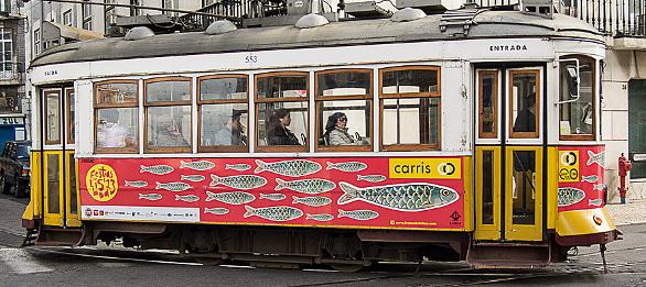 Tranvía típico de Lisboa - Fiestas de San Antonio